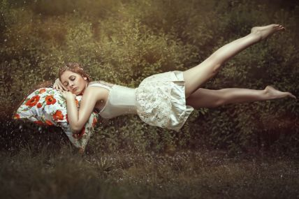 woman-floating-in-dream.jpg
